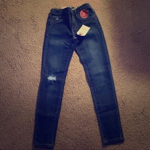 Girl's brand new with tags Levi's jeans